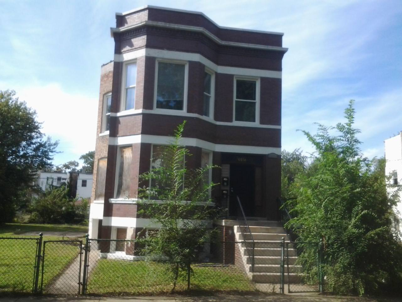 What's Available Wednesday? A Chicago Duplex!